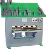 Kentekenplaatpers voor productie van kentekenplaten